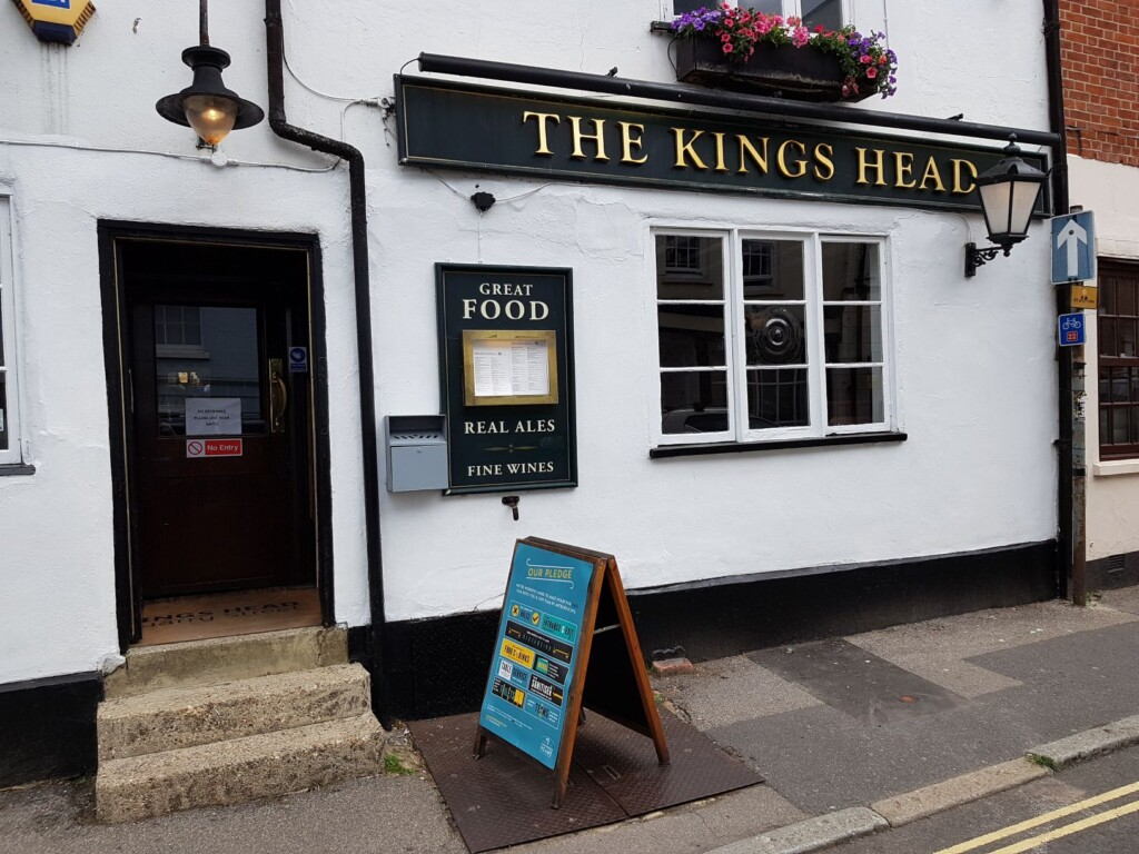 Kings head banner